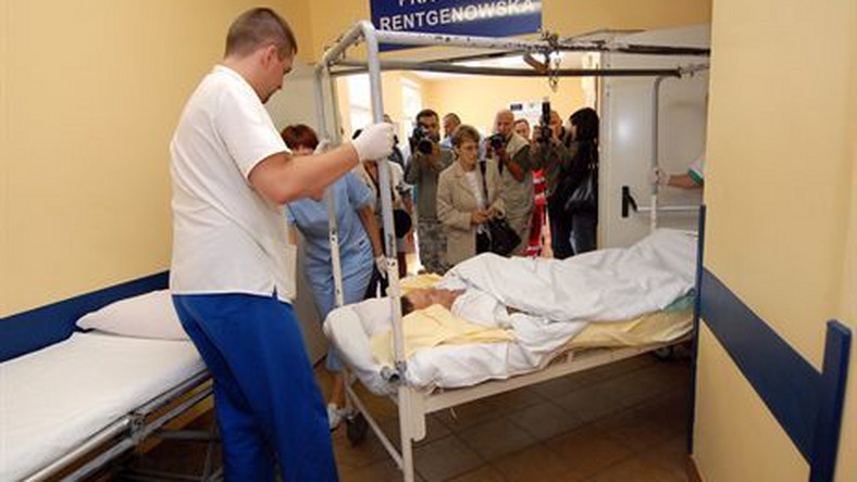 28-07-07 Szczecin Powrot kolejnych rannych pielgrzymow Z GrenoblN/z drugi kierowca Edward GawronFoto OKON