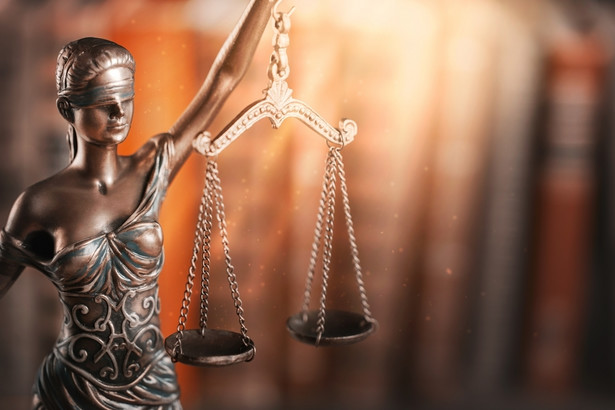 Prokuratura szacuje, że na skutek przestępczej działalności grupy krakowski sąd stracił prawie 30 mln zł