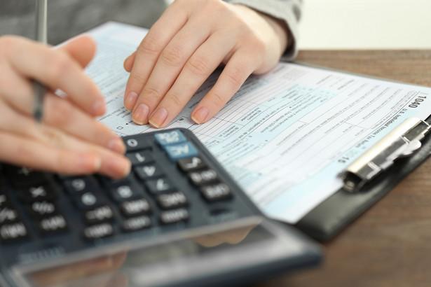 Paweł Gruza zapowiedział, że podatnik, który będzie chciał zapłacić za fakturę na niezarejestrowany rachunek kontrahenta, dostanie alert z banku z pytaniem, czy naprawdę chce takiej operacji dokonać.
