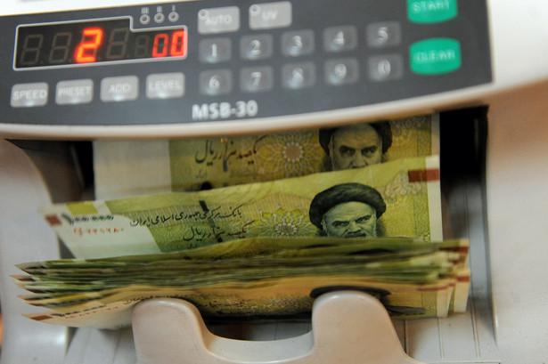 Deprecjacja riala postępuje coraz szybciej.