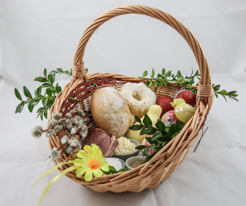 Wielkanoc 2021. W tym roku święcimy pokarm w domu