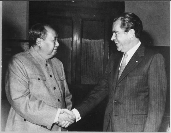 Nikson i Mao
