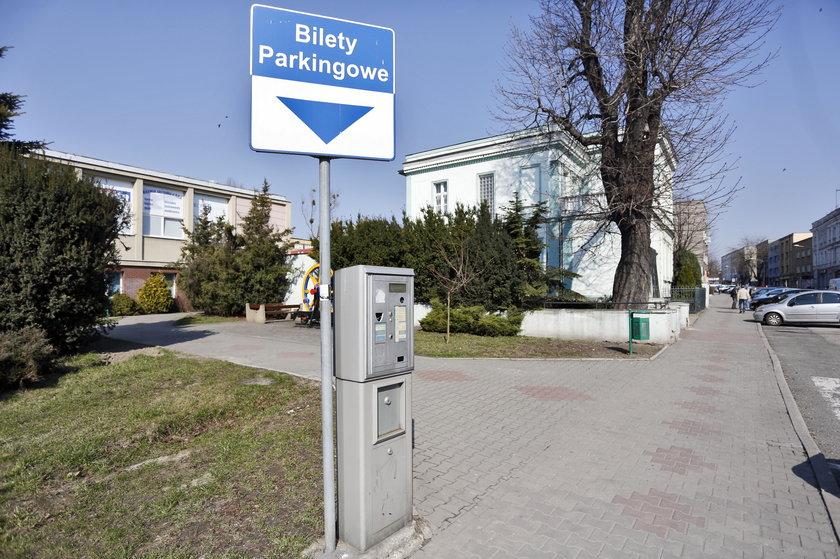 Strażnicy miejscy okradali parkomaty
