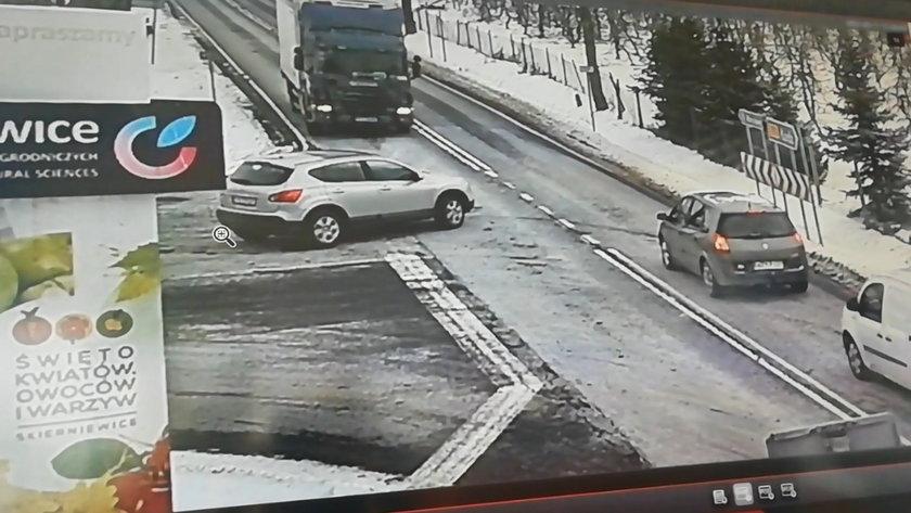 Dramatyczny wypadek w Skierniewicach. To cud, że nikt nie zginął