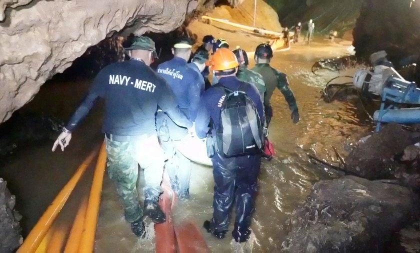 Pomógł uratować chłopców uwięzionych w jaskini. Dzień później dotknęła go tragedia