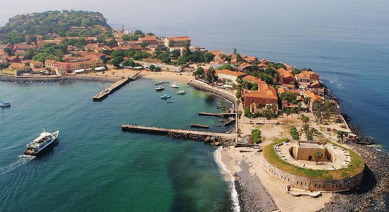 Gorée: la place de l'Europe devient place de la liberté et de la dignité humaine