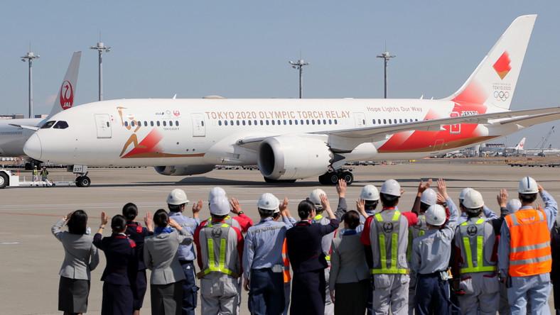 Japończycy wysłali samolot po ogień olimpijski