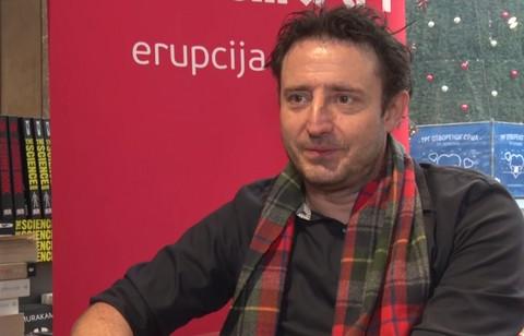 Svi ga znate kao glumca, a evo zbog čega je Nikola Đuričko odlučio da se lati pera i napiše knjigu! Video