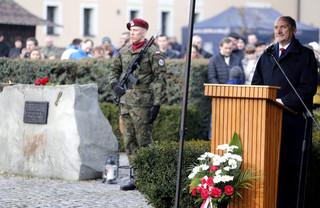 Macierewicz: Wspominając bohaterstwo Cichociemnych trzeba przypomnieć Kuklińskiego i ofiary Smoleńska