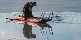 Dramatyczna akcja ratunkowa na jeziorze. Szukali pod lodem ludzi