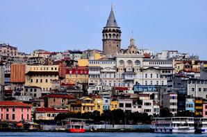 RAJ ZA ŠOPING Pad turske lire zadaje glavobolju vlastima, ali turisti TRLJAJU RUKE