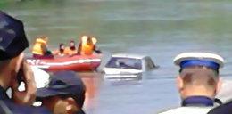 Emerytka wydostała się z tonącego auta