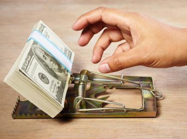 Często sami dajemy firmom pożyczkowym spore pole do nadużyć, ulegając przeświadczeniu, że w kontaktach z nimi nie chronią nas żadne prawa.