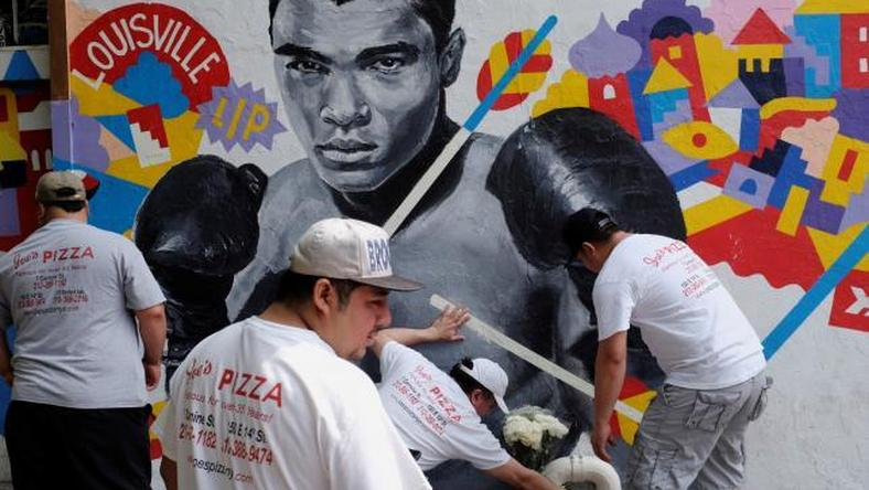 Ali to be honored with Muslim funeral service