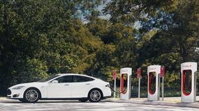 Tesla wprowadza opłatę za ładowarki Supercharger