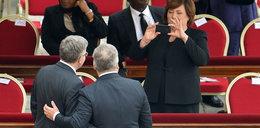 Komorowski w Watykanie jak Obama na pogrzebie Mandeli