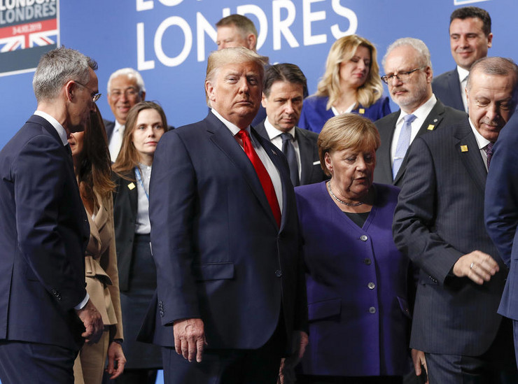 Donald Tramp i Angela Merkel EPA Peter Nicholls - Pool