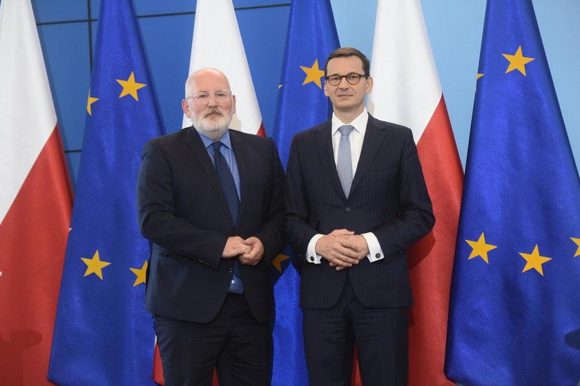 Frans Timmerman i Mateusz Morawiecki