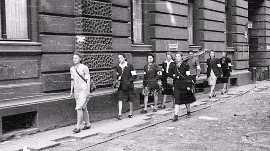 W powstaniu warszawskim wzięło udział około 11 tys. kobiet.