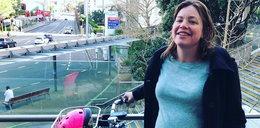 W zaawansowanej ciąży przyjechała rodzić dziecko. Na rowerze