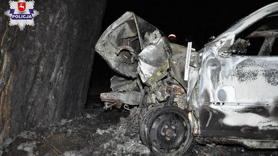 W rozbitym samochodzie jechał jeden z martwych nastolatków