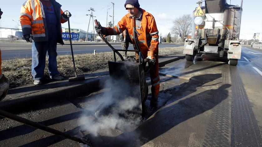 Gdańsk łata dziury po zimie.