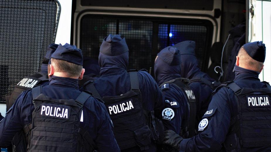 Obostrzenia w Polsce. Kalisz: właściciel nie chciał wpuścić policjantów do siłowni