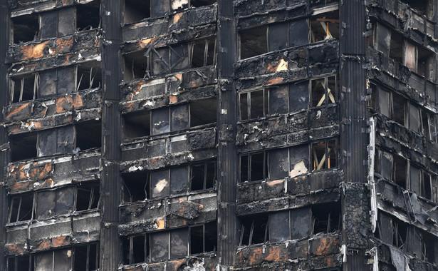 Zbudowany w 1974 roku blok mieszkalny Grenfell Tower zapalił się krótko przed godz. 1 w nocy czasu lokalnego 14 czerwca