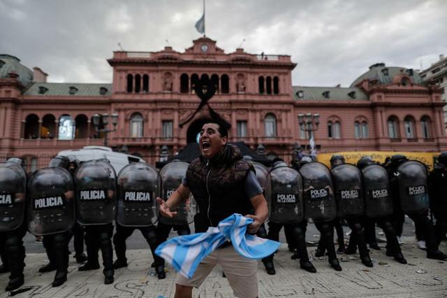 Ispraćaj Dijega Maradone u Buenos Ajresu