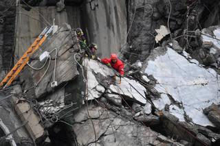Kontrowersje wokół państwowego pogrzebu ofiar katastrofy w Genui