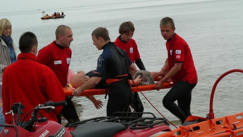 Ćwiczenia ratowników WOPR