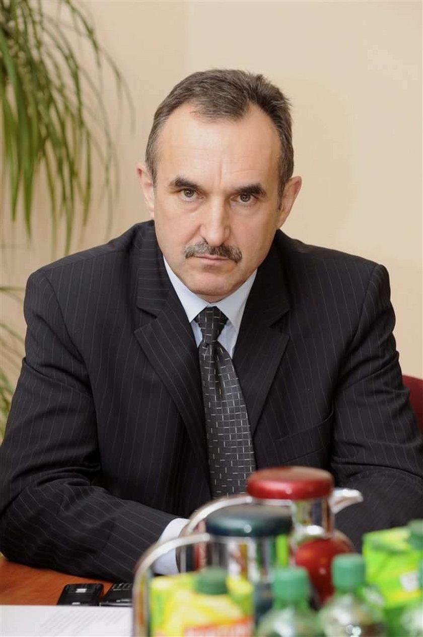 Prezydent Adamski wysyła policję na ulice