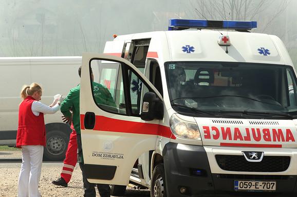 """""""DOŠLI SMO DA MU POMOGNEMO, A ON POTEGAO NOŽ NA NAS"""" Dan nakon napada pacijenta na ekipu Hitne pomoći"""