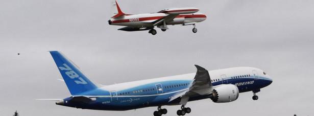 Testowy lot Dreamlinera 787 w Paine Field w Everett, w stanie Washington.