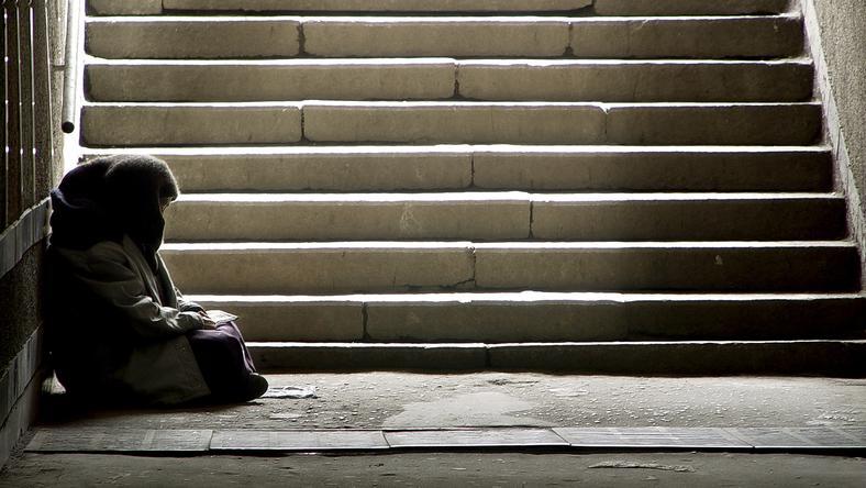 Organizacje pozarządowe muszą łamać prawo, by pomagać bezdomnym