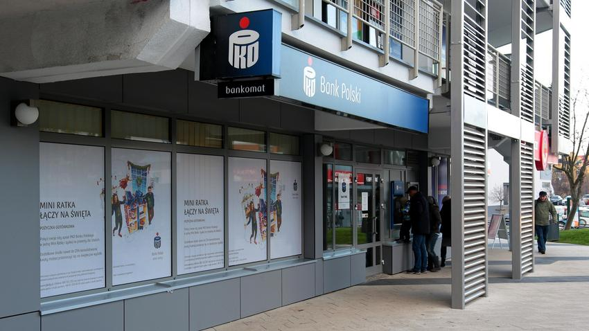 ee54be460 Bank PKO BP ostrzega przed oszustami wysyłającymi SMS-y