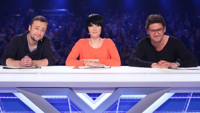 """W """"X Factor"""" to oni oceniają występy uczestników i decydują o ich dalszym losie w programie. Na co dzień jednak, sami podawani są surowej ocenie widzów, którzy oglądają ich pracę w show. Kuba, Tatiana czy Czesław, kto zasługuje na miano najfajniejszego jurora """"X Factor""""?"""