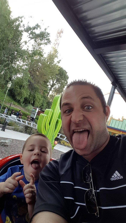 Ojciec zabrał synka do parku rozrywki, a potem go zabił. Żeby zemścić się na żonie