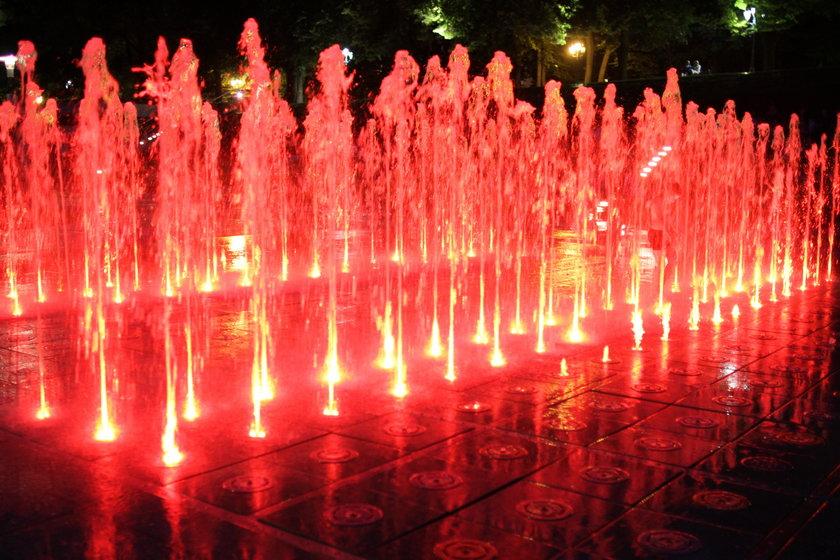bPremiera nowych pokazów fontanny multimedialnej