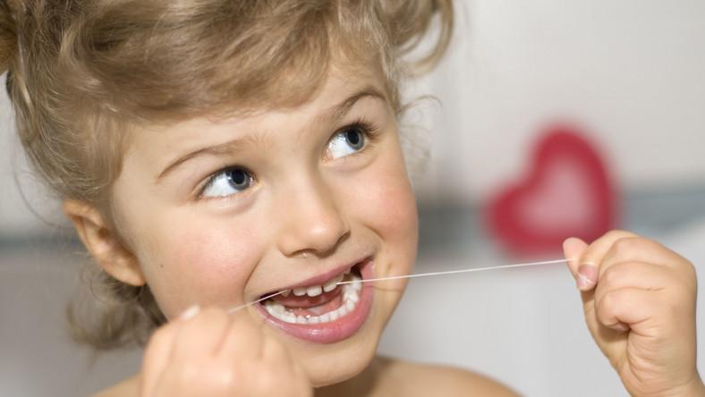 Dziecko powinno polubić mycię zębów