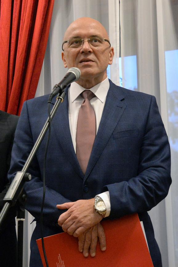 Izložbu je otvorio ministar kulture i informisanja Vladan Vukosavljević