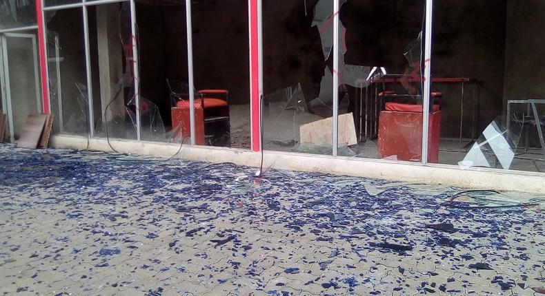 Shattered glass on the ground after bulldozers demolished structures at the former Simmers Pub along Kenyatta Avenue, Nairobi (Twitter)
