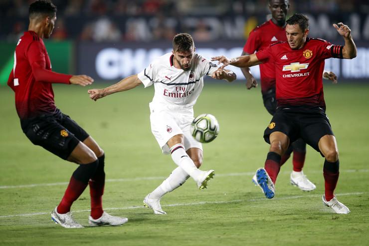FK Milan, FK Mančester junajted