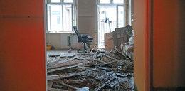 Katastrofa budowlana w Łodzi. Sufit spadł do mieszkania