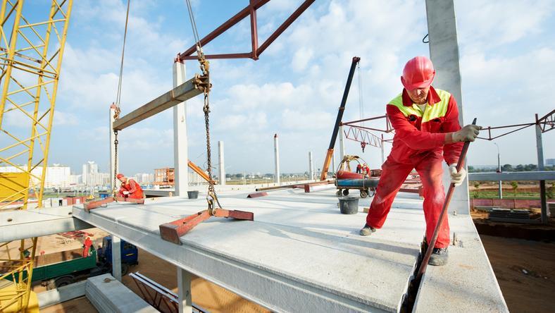 Podkarpackie: HSW rozbuduje halę, w której produkowane będą podwozia do Kraba
