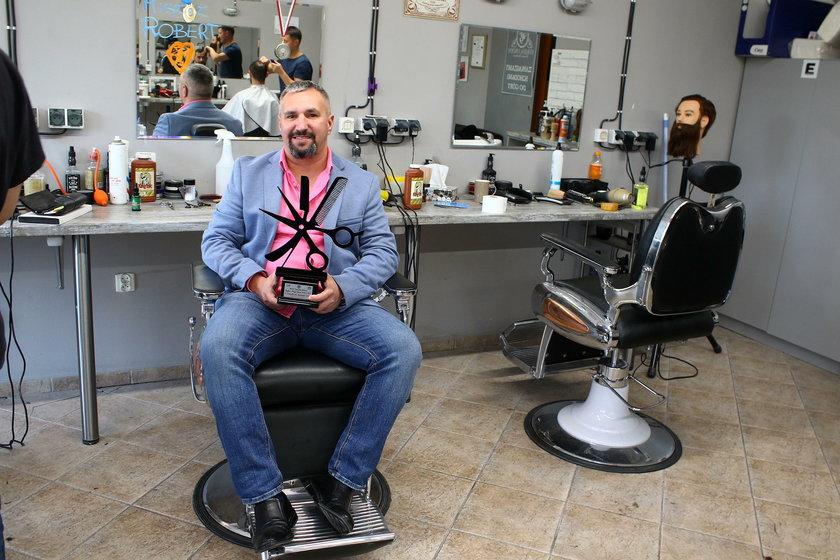 Oto najlepszy fryzjer na świecie!