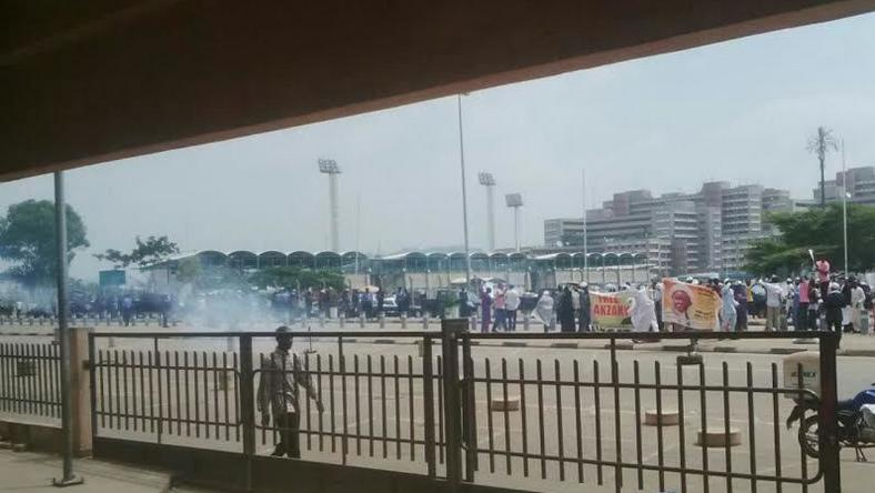 Police teargas Shiite protesters in Abuja