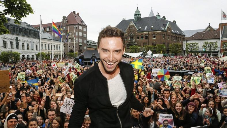 """Måns Zelmerlöw w Szwecji jest gwiazdą. Na koncie ma udział w tamtejszych edycjach """"Idola"""" i """"Tańca z gwiazdami"""". Jako gość pojawił się też w polskiej edycji drugiego z wymienionych show."""