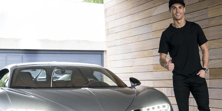 Cristiano Ronaldo w nowym supersamochodzie
