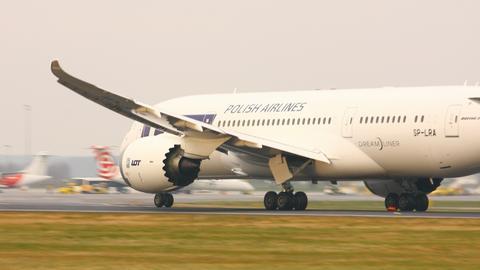 PLL LOT korzysta już z Dreamlinerów. Teraz zamawia dłuższą wersję popularnego modelu Boeinga